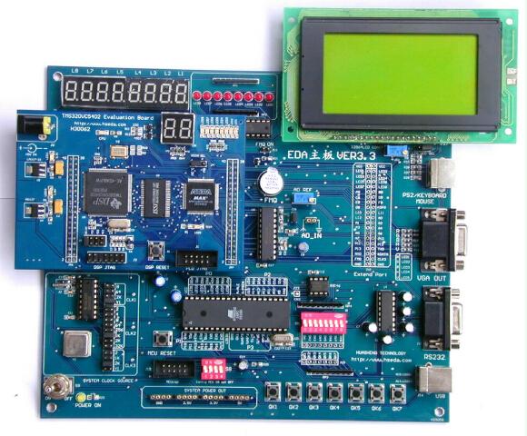 +90元购买LCD12864液晶(带背光) 我们根据目前的DSP和CPLD的混合应用设计了这块开发板,将DSP的强大处理能力和PLD器件的灵活高速性进行了有机的结合.这块板能够为学习DSP和CPLD的用户提供一个方便的开发平台.这开发板能单独使用也能够与我们的提供的EDA底板相结合构成一套功能强大,售价低廉的DSP开发系统.